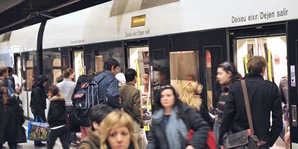 10. La tarjeta TuiN es el segundo título más usado en Metrovalencia aunque el 50% de los viajeros siguen usando el bonometro