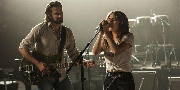 5. VÍDEO: Lady Gaga y Bradley Cooper cantan 'Shallow' en Las Vegas