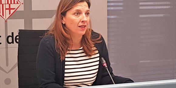1. La teniente de alcalde de Derechos Sociales de Barcelona se retira de la política