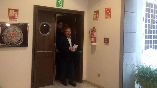 Rus a su llegada a la Comisión de Taula en Les Corts