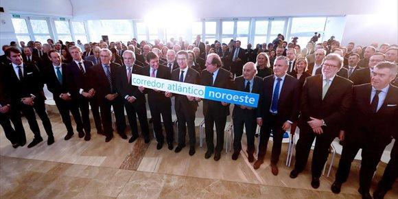 2. Galicia, Asturias y CyL piden 3.100 millones para su tren