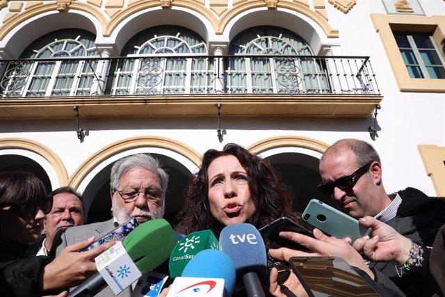 Rocío Ruiz, en la concentración en Dos Hermanas tras el último asesinato por vio
