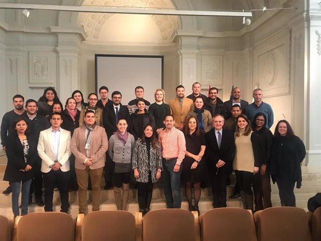 Participantes de la XV edición del 'Máster Internacional Alianza' de la ONT