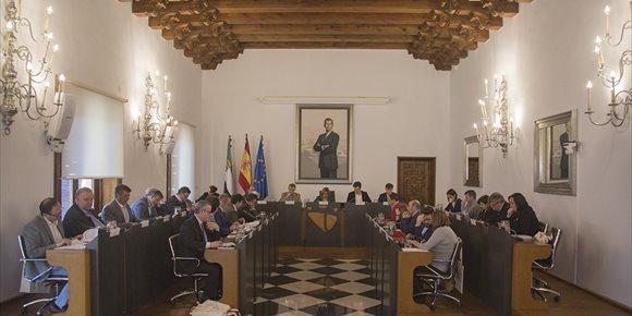 5. La Diputación de Cáceres apoya por unanimidad la caza, la pesca y los toros en una declaración institucional