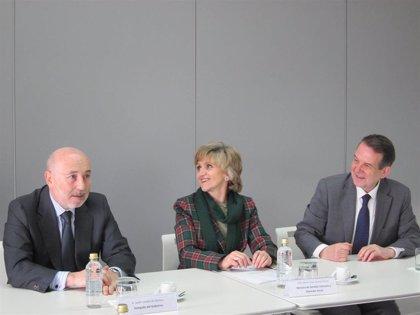 """La ministra de Sanidad destaca que las nuevas competencias """"refuerzan"""" el Laboratorio de Biotoxinas Marinas"""