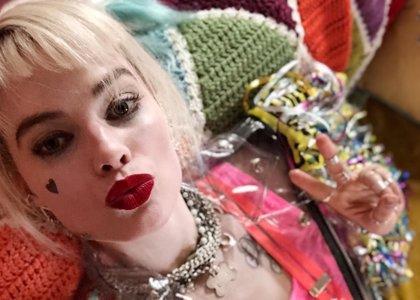 Primera imagen de Margot Robbie como Harley Quinn en Birds of Prey... con guiño a Batman