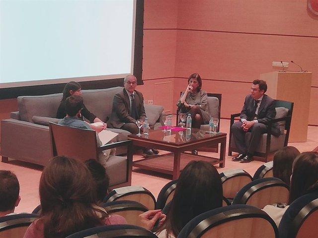 Encuentro con el consejero de Educación de la Comunidad de Madrid, Rafael Van Gr