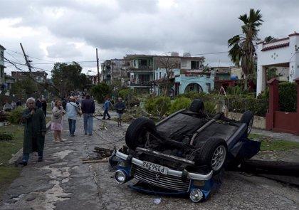 """Maduro traslada """"el apoyo de Venezuela"""" a Cuba tras el paso de un pequeño tornado por La Habana"""