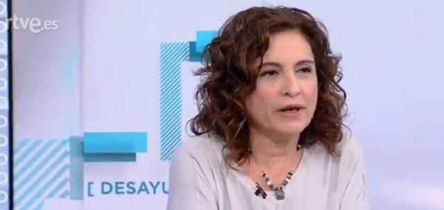 Entrevista a TVE a la ministra María Jesús Montero
