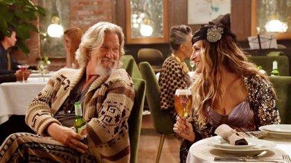 El Nota de El gran Lebowski y Carrie de Sexo en Nueva York, juntos para vender cerveza en la Super Bowl