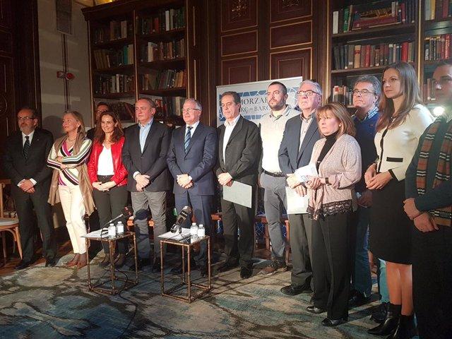 L'alcaldable del PP Josep Bou amb comerciants