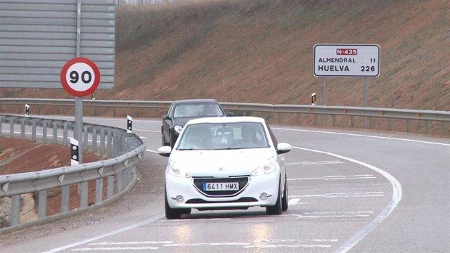 Carretera convencional a 90 kilómetros por hora