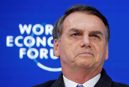 """Bolsonaro está """"bien"""" tras someterse a una otra operación por la puñalada recibida en campaña electoral"""