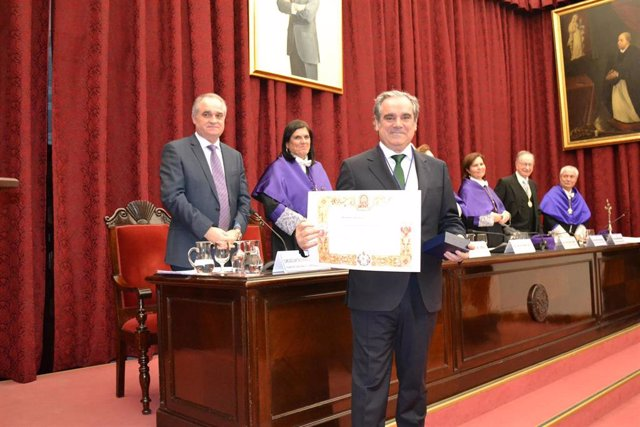 Jesús Aguilar ingresa en la Academia Iberoamericana de Farmacia