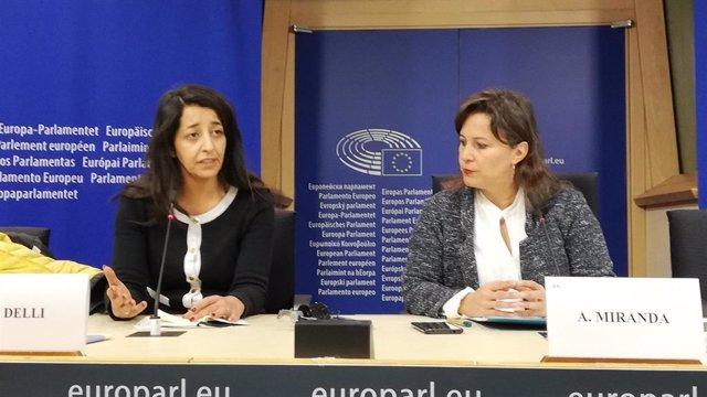 Karima Delli y Ana Miranda, en Bruselas