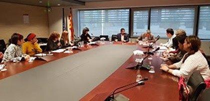La Generalitat prepara mesures de suport per a empleades de la llar i de cures