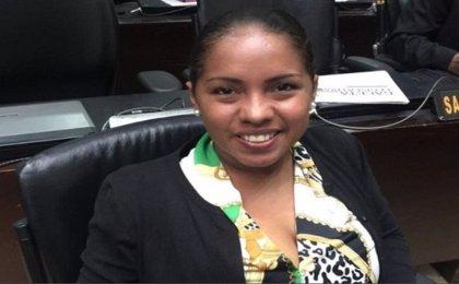 Una diputada 'chavista' decide sumarse al Parlamento, controlado por la oposición venezolana