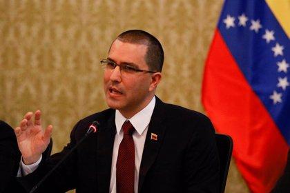 """Venezuela tilda de """"acto de piratería"""" las medidas """"arbitrarias e ilegales"""" anunciadas por EEUU"""