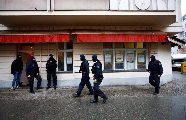 La Policía alemana en la mezquita As Sahaba en Berlín