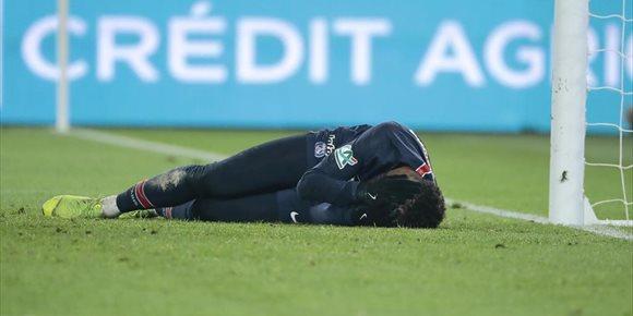 5. Neymar evita el quirófano pero estará diez semanas de baja