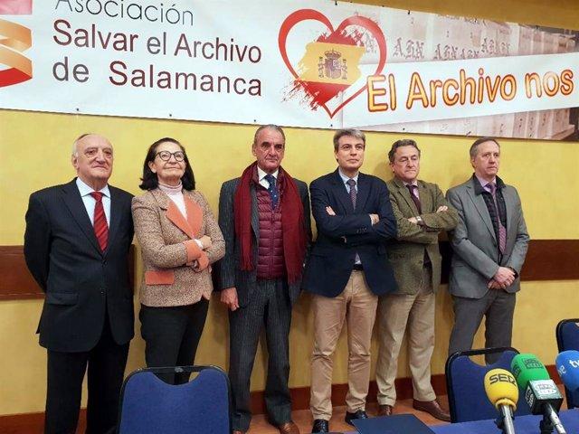 Miembros de la junta directiva de Salvar el Archivo de Salamanca