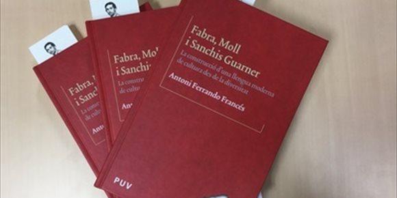10. Baleares, Cataluña y Valencia editan un libro sobre los lingüistas Fabra, Moll y Sanchís Guarner
