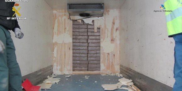 5. Detenido en Melilla un zaragozano con unos 343 kilos de droga cuando embarcaba a Almería