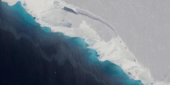4. Una cavidad gigante confirma la desintegración de un glaciar antártico