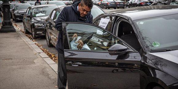 8. Uber y Cabify dejarán de funcionar en Barcelona este viernes por la regulación de las VTC