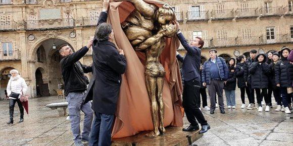 2. Salamanca muestra por primera vez en España la internacional obra del escultor chino Xu Hongfei
