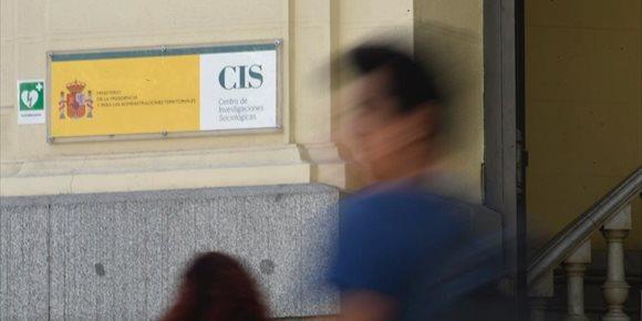3. El CIS manté al PSOE al capdavant, amb Ciutadans segon, mentre cau el PP i puja Vox