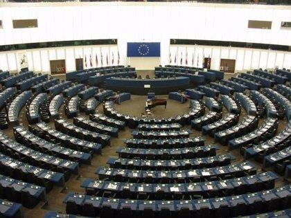 """L'Eurocambra reconeix Guaidó com """"el president interí legítim"""" i reclama l'alliberament dels periodistes"""