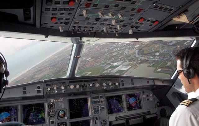 Pilot d'avió, Vueling, aerolínies