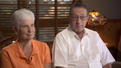 Matrimonio de jubilados gana 26 millones de dólares después de descubrir la fórmula para acertar en la lotería