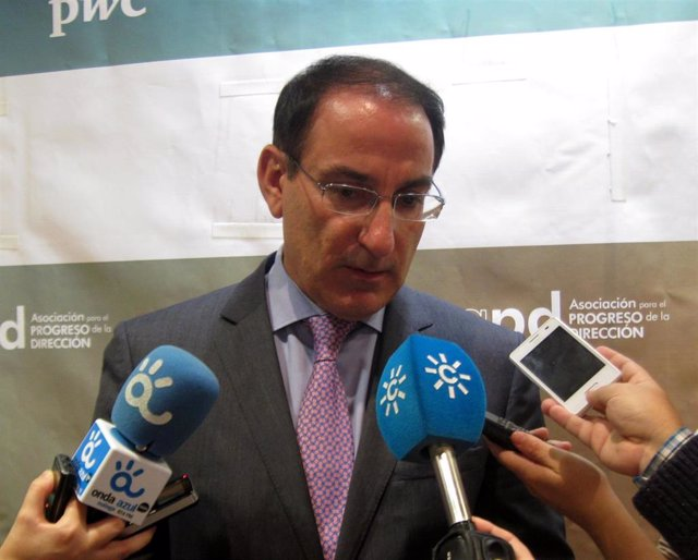 Javier González de Lara, presidente de CEA y CEM