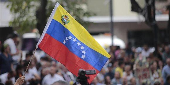 6. Venezuela deportará a España y Colombia a los tres periodistas de EFE, según sindicato de prensa