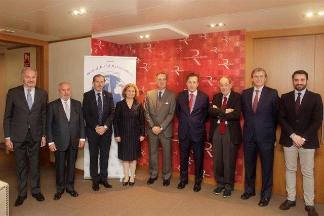 Miembros del comité organizador del World Law Congres