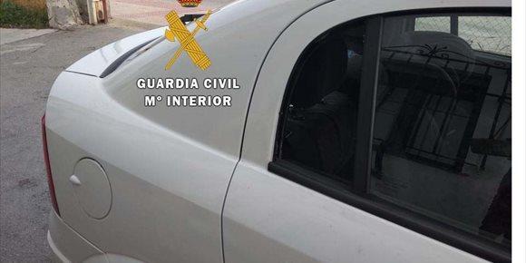 4. Detenido en La Carolina (Jaén) tras forzar varios coches para acabar robando uno y conducirlo sin carné