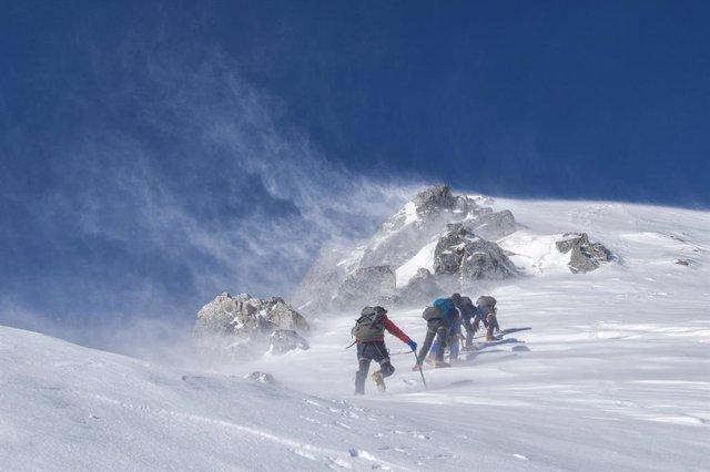 Muntanya nevada (arxiu)