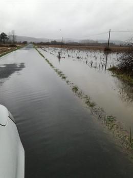 Estrada da Deputación de Lugo afectada por inundacións en Pobra do Brollón