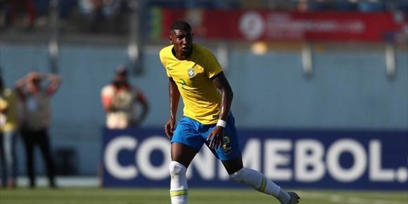 9. El Barça ficha al lateral Emerson De Souza, cedido primero al Betis