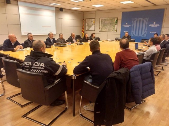 Reunió de la Generalitat amb policies, AMB sobre el decret de VTC