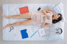 Domir, estudias en la cama