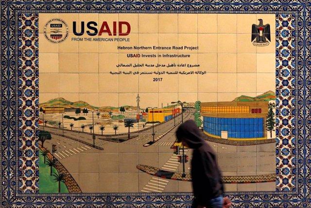 Cartel de la USAID en Hebrón