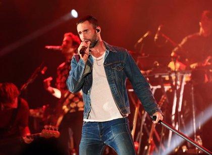 """Adam Levine, a los críticos con la actuación de Maroon 5 en la Super Bowl: """"Nosotros hablamos a través de la música"""""""