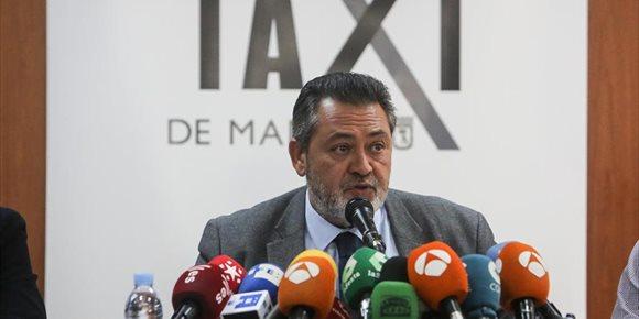 1. Los taxistas flexibilizan sus requisitos y proponen que los municipios fijen las condiciones de la precontratación VTC