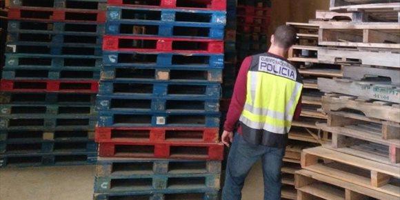 6. Detenidos varios transportistas por distraer miles de palets a empresas para venderlos