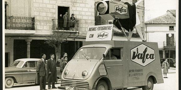 7. Euskadiko Artxibo Historikoak Valca argazki materialeko enpresari buruzko erakusketa bat antolatu du