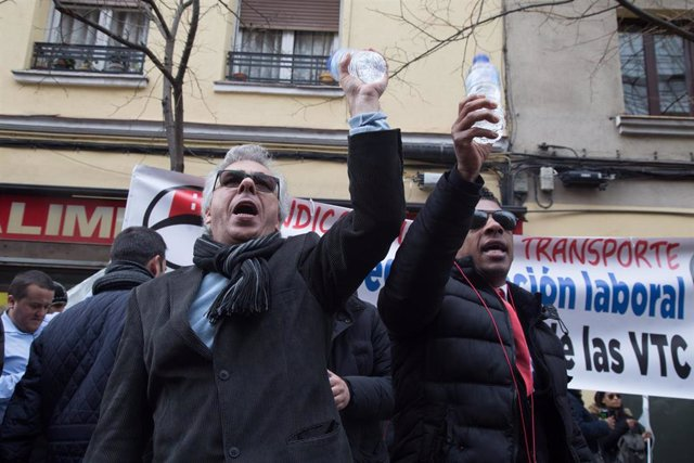 VTC protest against taxi drivers in Madrid
