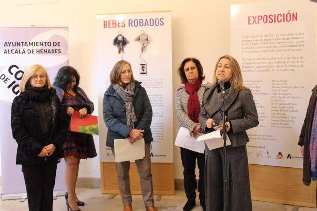 Bebes Robados Expone Las Obras De 31 Mujeres Artistas En Los Archivos Del Movi